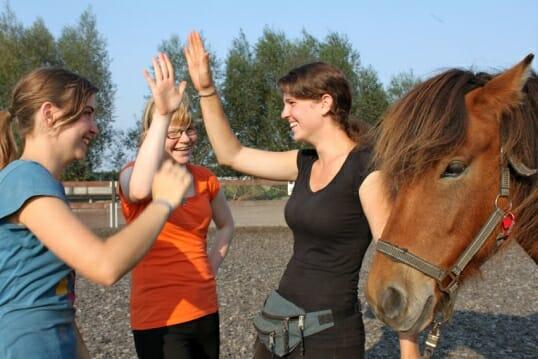 Azubi-Coaching, Coaching mit Pferden im Reiterhof, Groß Briesen, Brandenburg bei Berlin, nahe dem Naturpark Hoher Fläming